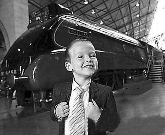 年满六岁的英国男童成为游乐总管