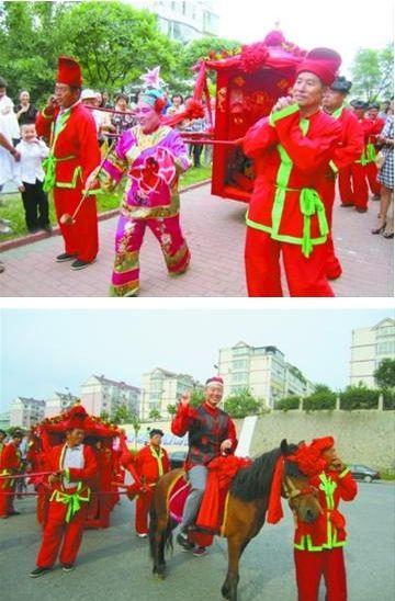 八抬大轿娶新娘。 本组图片由本报鞍山版记者 丛妍 摄