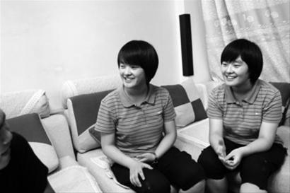 双胞胎姐妹花郭世琪、郭世玉。本报记者 田卫涛摄