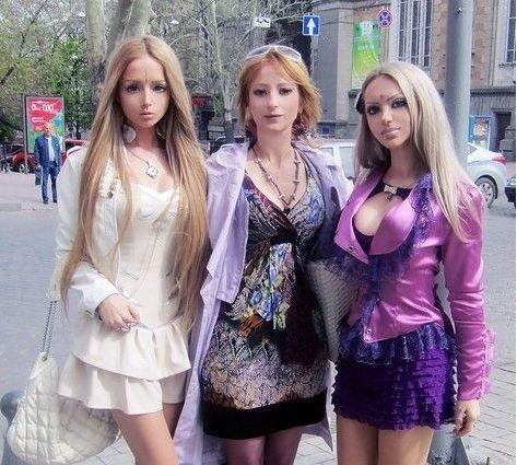 乌克兰母女整容成芭比(点击查看更多时尚资讯)