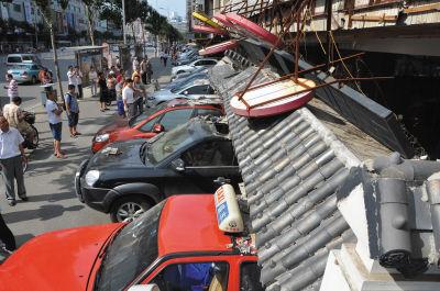 5辆车被砸。