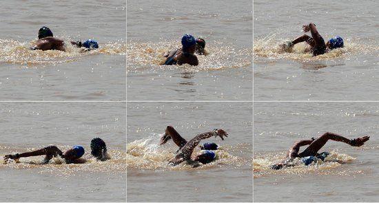 江苏队选手与天津队选手在水中发生明显肢体冲突(拼版照片) 新华社发比赛引发了极大争议 选手比赛过程中补充水分