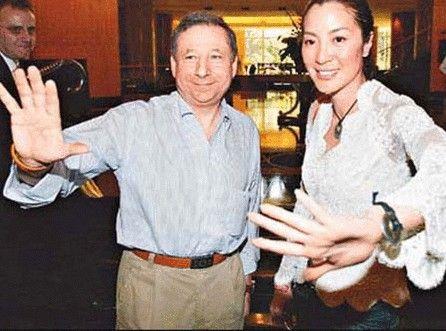 杨紫琼1988年当红时嫁给潘迪生