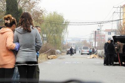 事发现场被警方用警戒线封锁