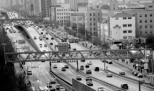 沈阳儿童医院新建的过街天桥