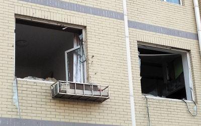 """闪爆后,该住户家的窗户、玻璃也""""闪""""了。"""