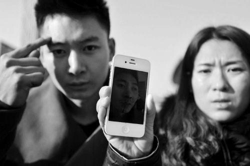 小王称他们夫妻及弟弟都被打