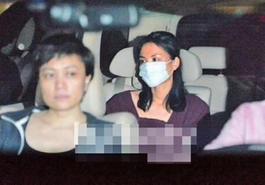 王菲离婚回京。