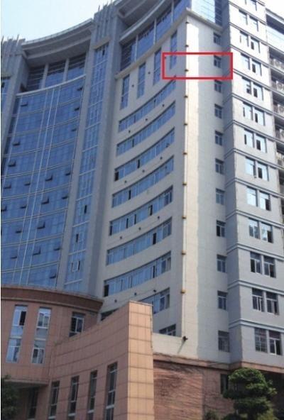 警方证实女教师从12楼的区长办公室卫生间窗户坠落