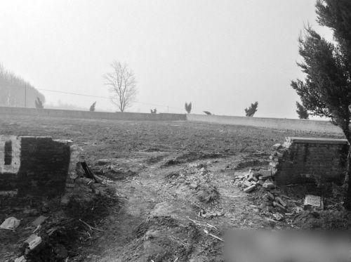 """当地民政部门回应:该陵园已废弃,散葬烈士的骨灰已在新民市烈士陵园""""安家"""""""