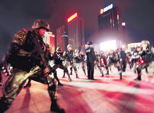 多警种开展处置暴力恐怖案件紧急拉动演练
