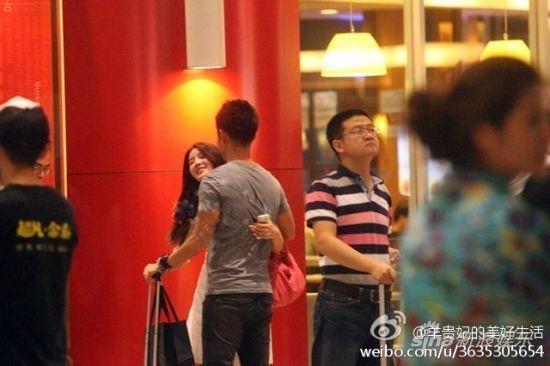 陈思诚出轨门女主角有男友 当街激吻