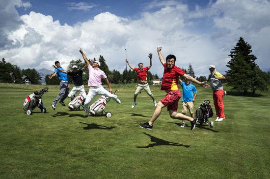 大学生�y.&��f�/&_中国大学生出席第十五届世界大学生高尔夫球锦标赛