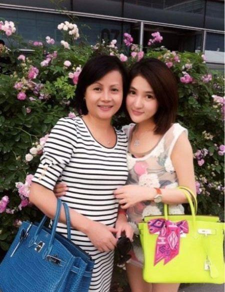 郭美美与妈妈合影