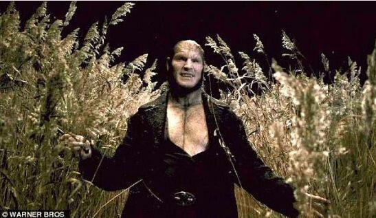 他扮演的狼人芬里尔-格雷伯克