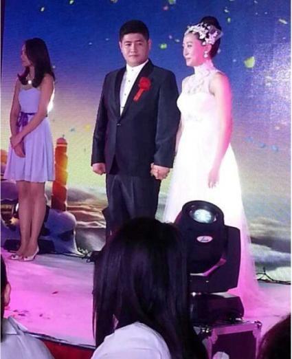 """""""刘英""""扮演者蒋依杉婚纱照。"""