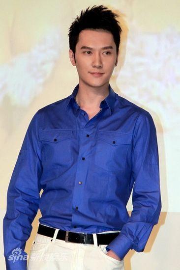 冯绍峰——纺织业巨头之子。