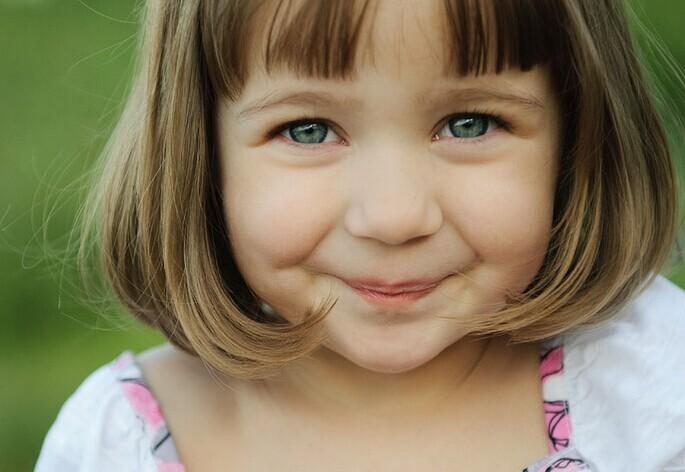 孩子频繁眨眼的原因是什么