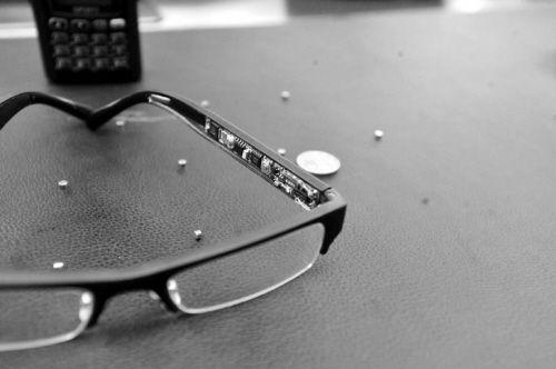 作弊眼镜(本报资料图片)