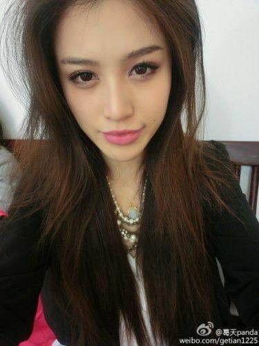 刘翔90后演员女友。