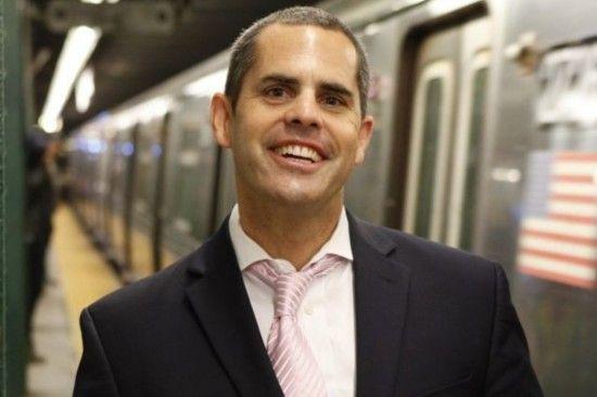 美国纽约48岁罗宾森。
