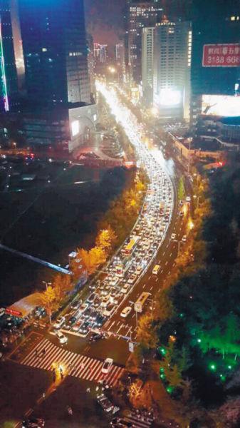昨日晚高峰沈城多处路段拥堵