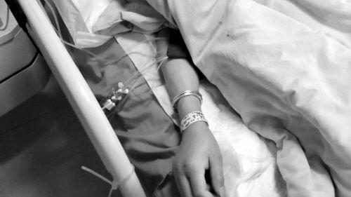 男子被撞后昏迷三天。