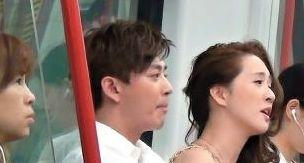 陈晓东牵娇妻着盛装搭地铁 路人侧目观望