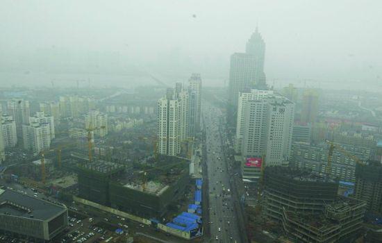 """沈阳遭遇重度污染 AQI""""爆表""""持续36小时"""