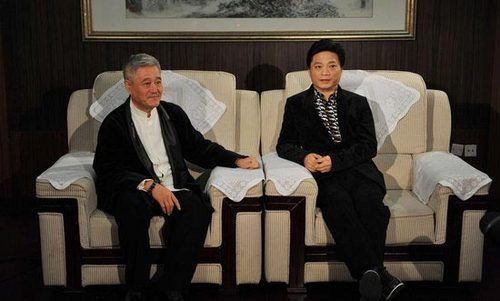 崔永元力挺赵本山与教授掀骂战:丢清华的脸(图)