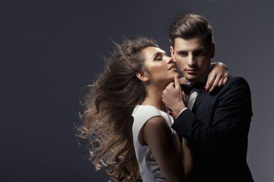 帮男人口是什么感觉_女生用嘴给男生戴套是什么体验