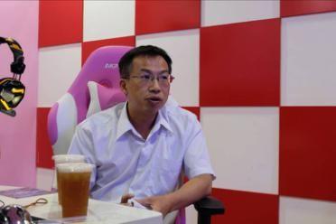 许俊川总经理在翼世纪电竞馆接受访问