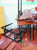 暖气爆裂冲毁教室