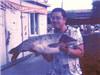 男子钓30斤重草鱼
