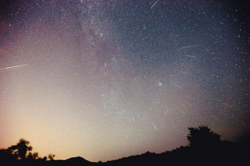 昨日夜赏流星雨