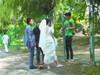 公园拍婚照