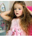 4岁模特貌若洋娃娃